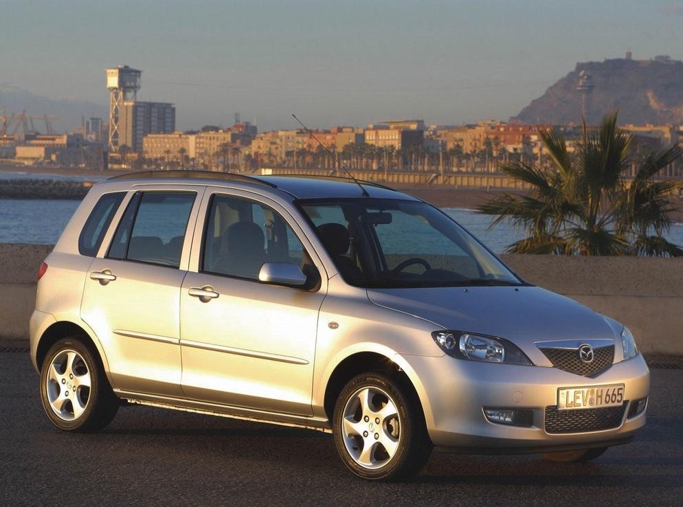 Снимки: Mazda Mazda 2 - 2003