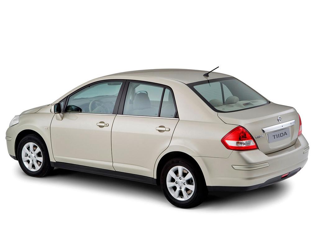 Снимки: Nissan Tiida Sedan