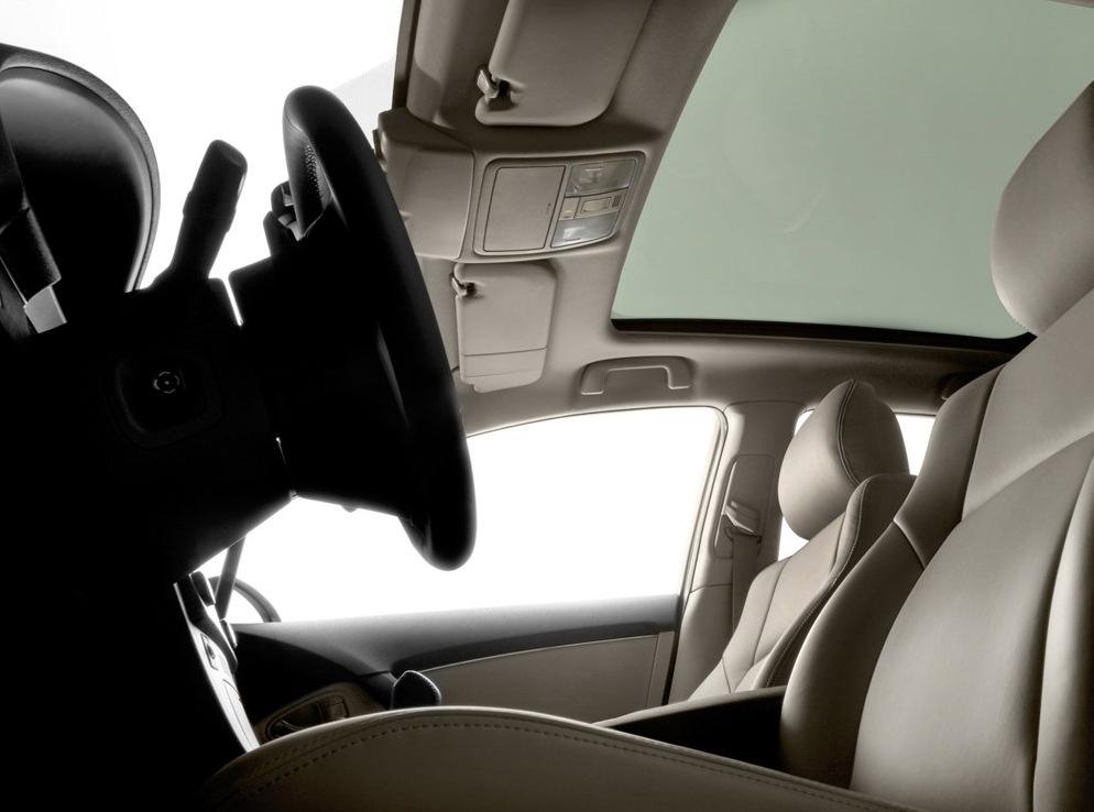Снимки: Toyota Avensis 3
