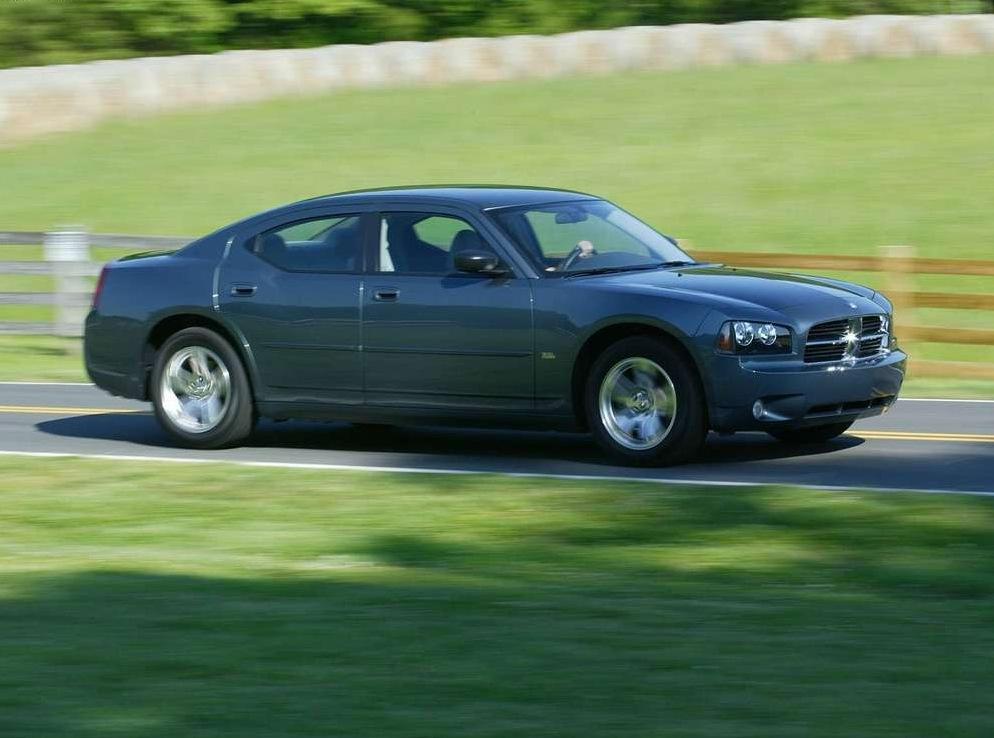 Снимки: Dodge Charger (LX)
