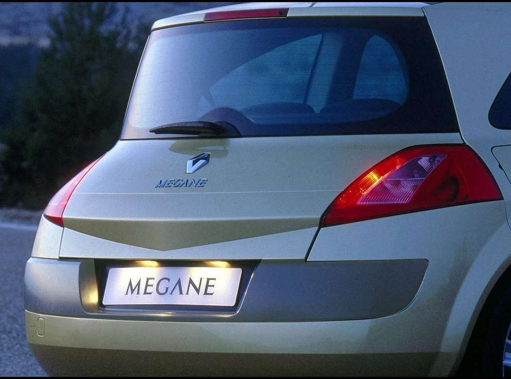 Снимки: Renault Megane 2