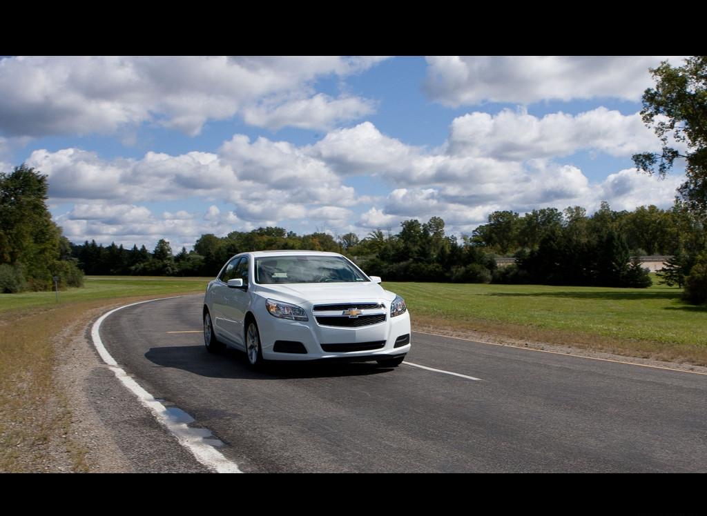 Снимки: Chevrolet Malibu 7