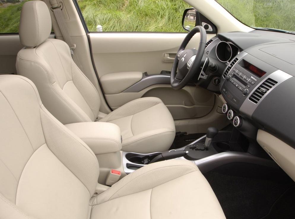 Снимки: Mitsubishi Outlander 2(XL)