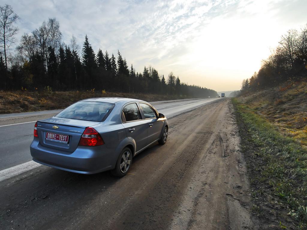Снимки: Chevrolet Aveo Sedan