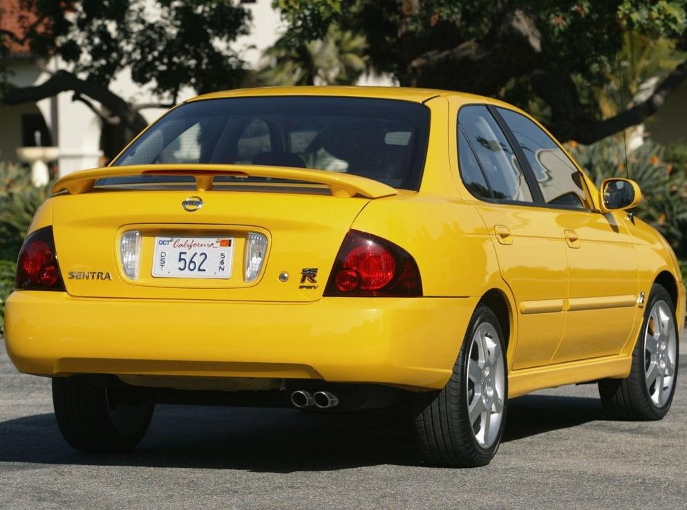 Снимки: Nissan Sentra (S15)