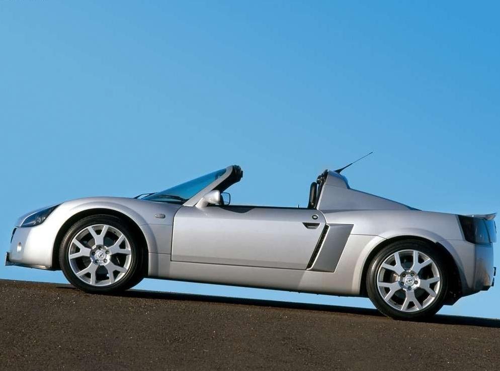Снимки: Opel Speedster