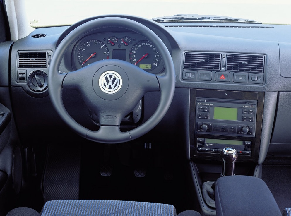 ������: Volkswagen Golf 4 (1J1)