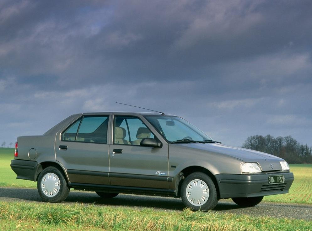 Снимки: Renault 19 I Chamade (L53)