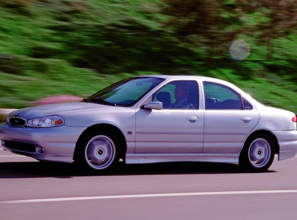 Снимки: Ford Contour