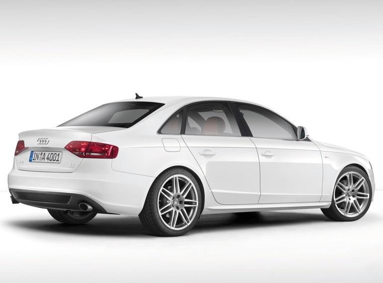 Снимки: Audi A4 (B8)