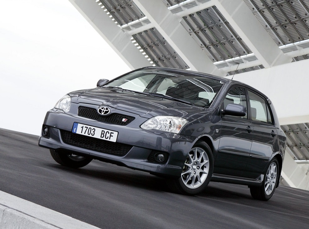Снимки: Toyota Corolla Hatch (E12)