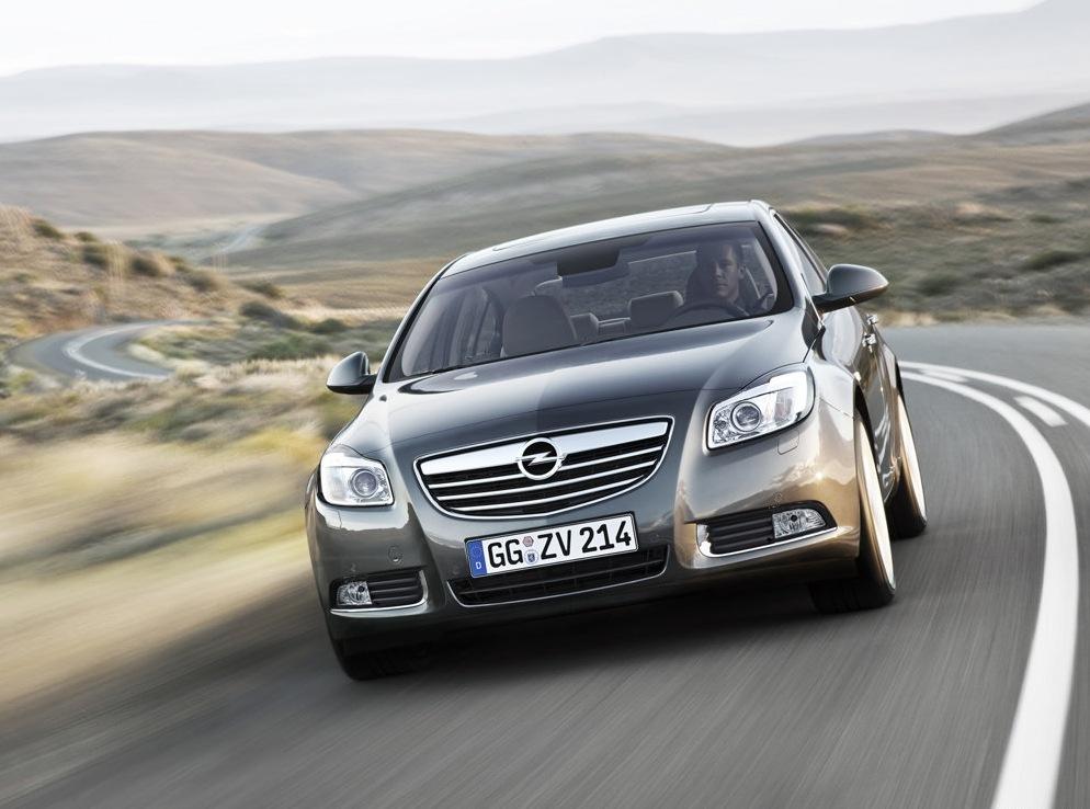 Снимки: Opel Insignia Hatchback