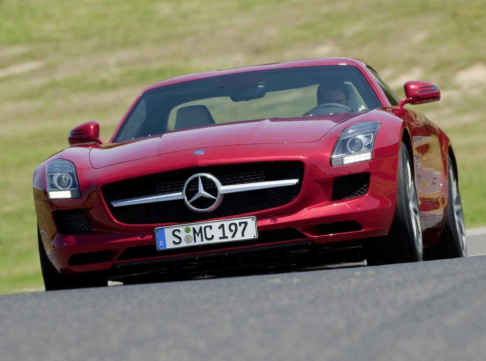 Снимки: Mercedes-benz SLS AMG