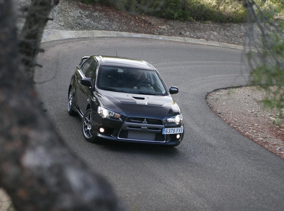 Снимки: Mitsubishi Lancer Evolution X