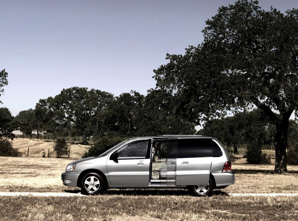 Снимки: Ford Freestar