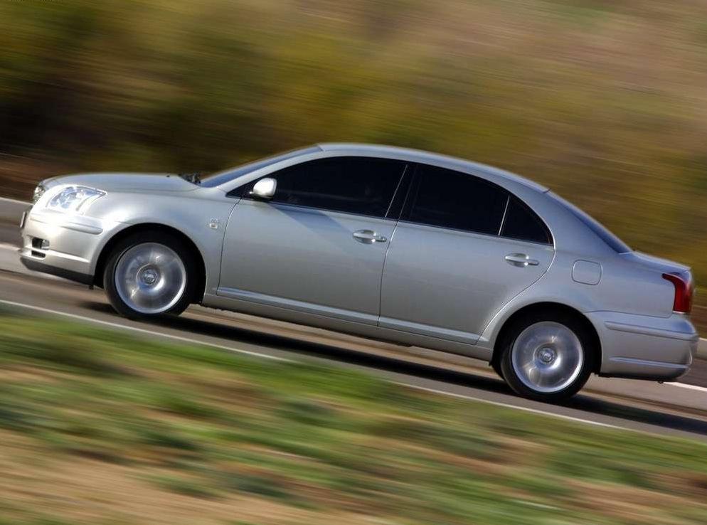 Снимки: Toyota Avensis 2
