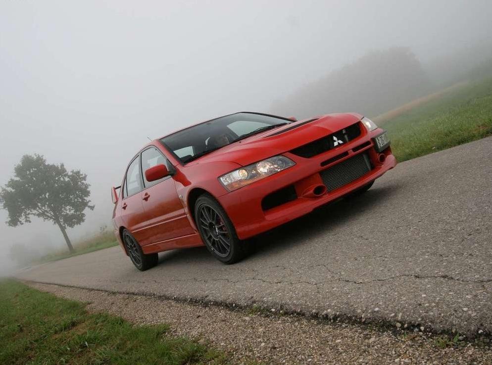 Снимки: Mitsubishi Lancer Evolution IX