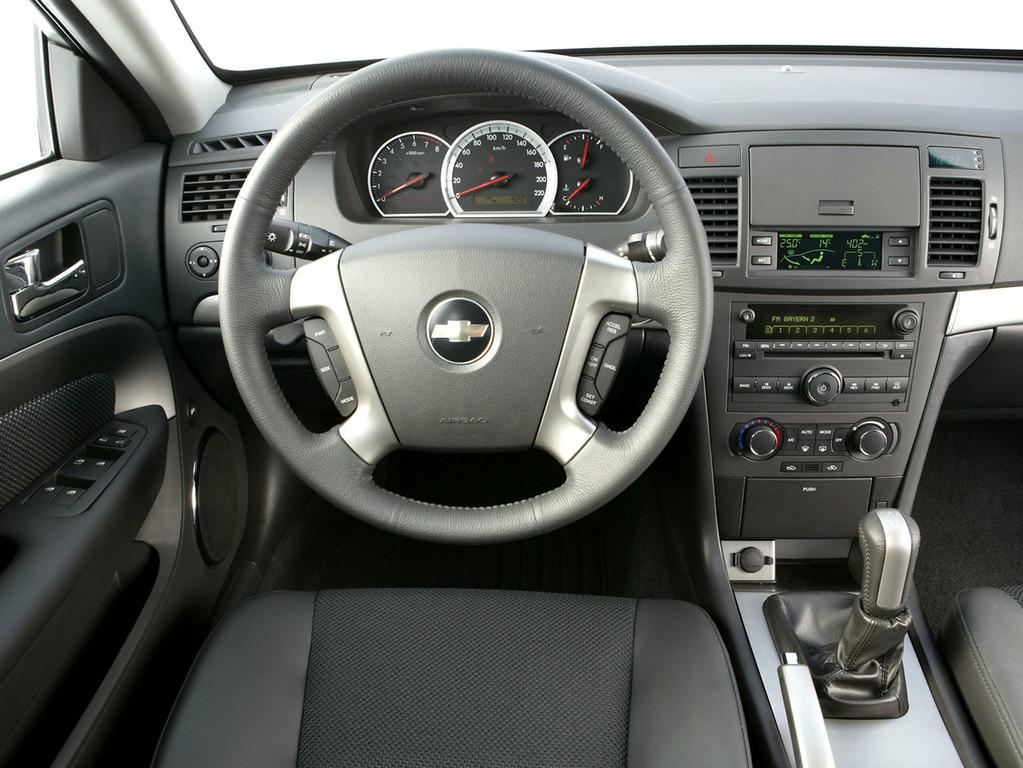 Снимки: Chevrolet Epica