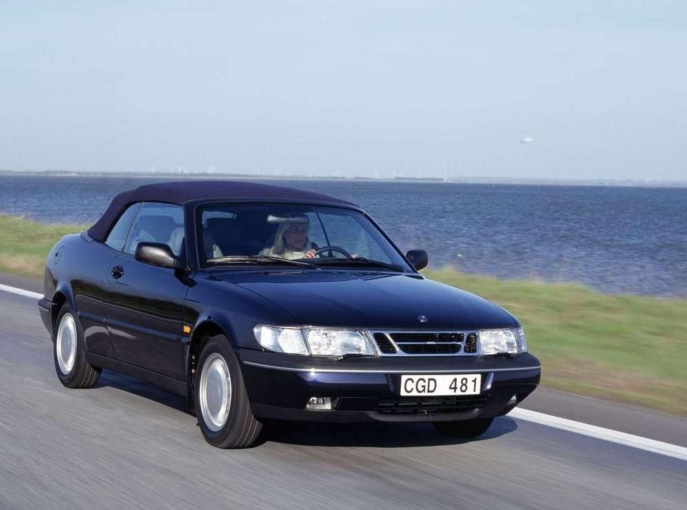 Снимки: Saab 900 II Cabriolet