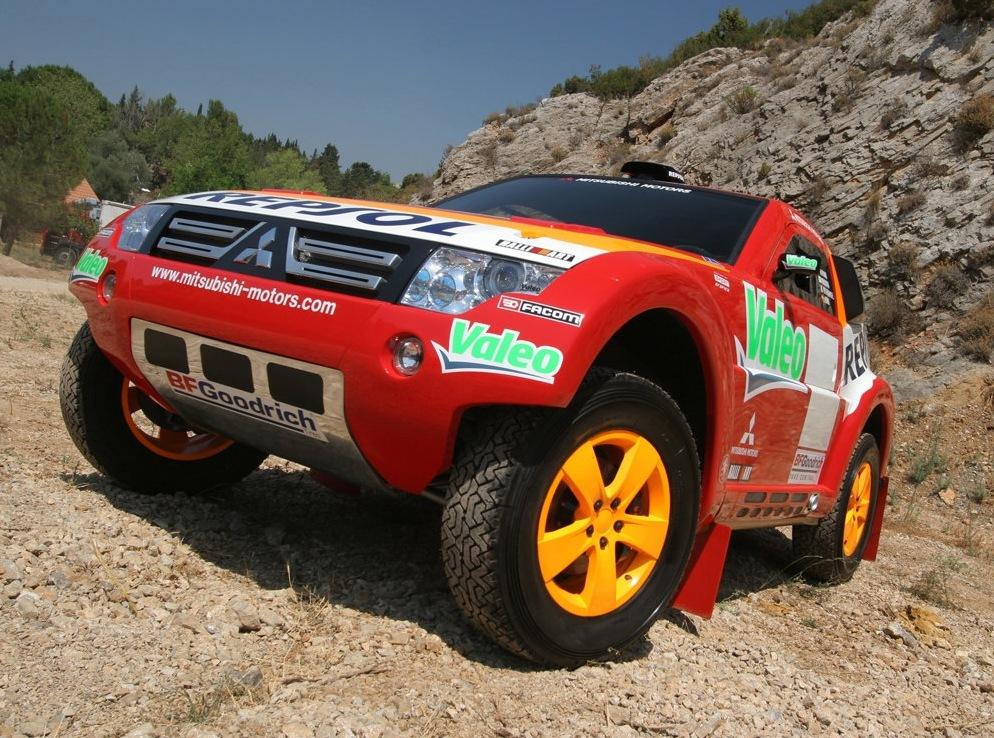 Снимки: Mitsubishi Pajero IV 3-doors