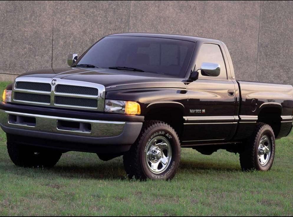 Снимки: Dodge Ram 2001