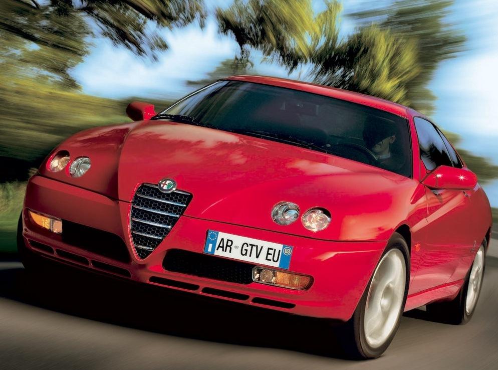 Снимки: Alfa romeo GTV (916)