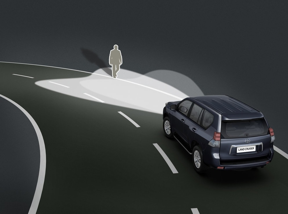 Снимки: Toyota Land Cruiser 150 (2010)
