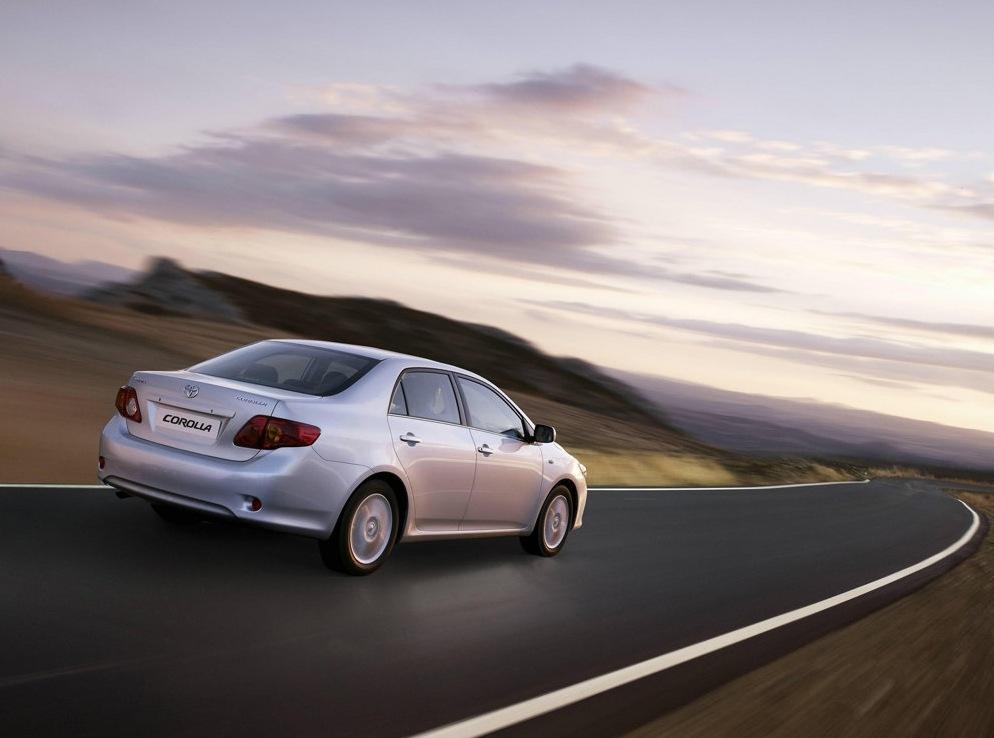 Снимки: Toyota Corolla (300N/MC)