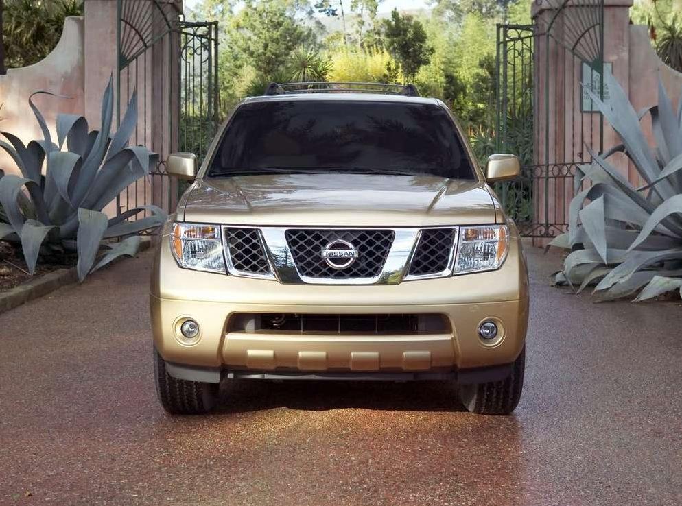 Снимки: Nissan Pathfinder III