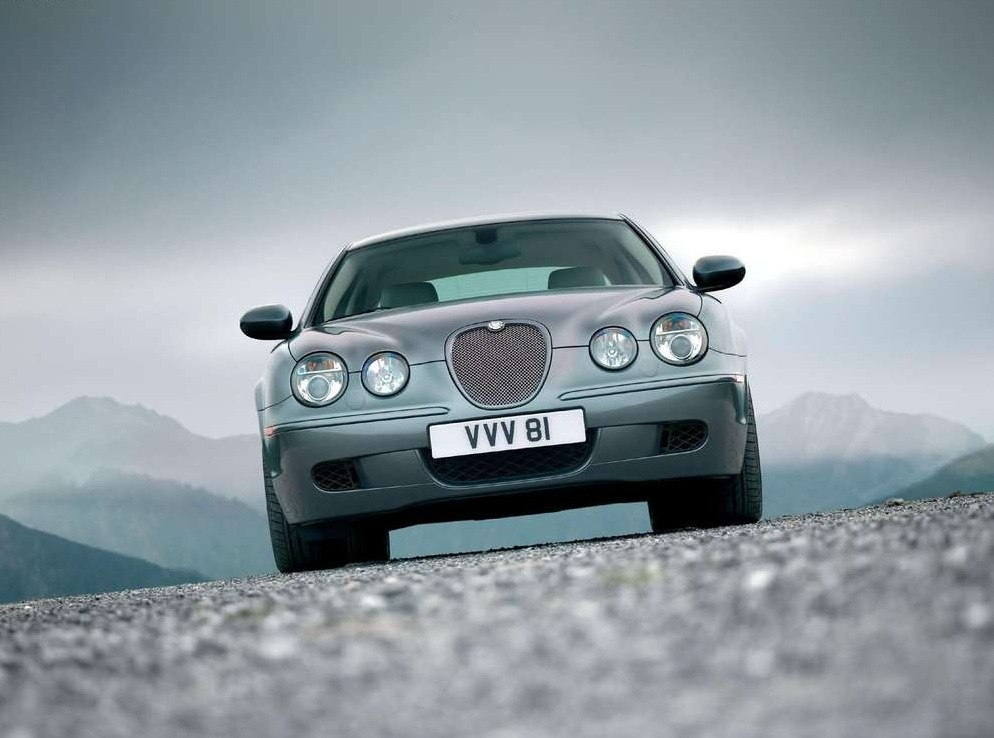 Снимки: Jaguar S-type (CCX)