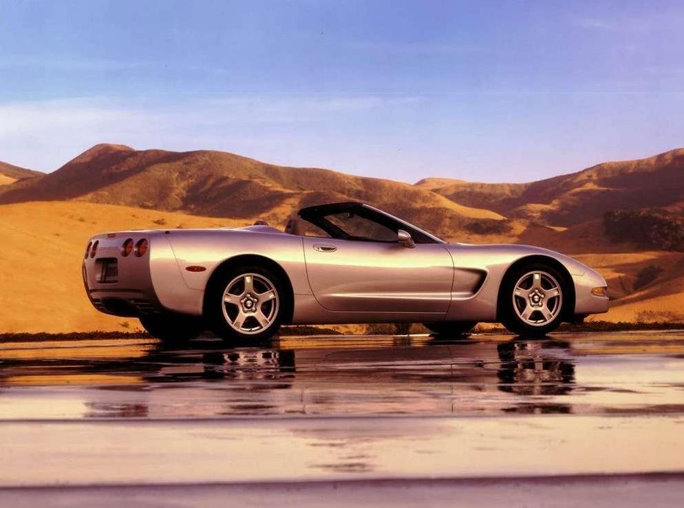 Снимки: Chevrolet Corvette Hardtop (YY)
