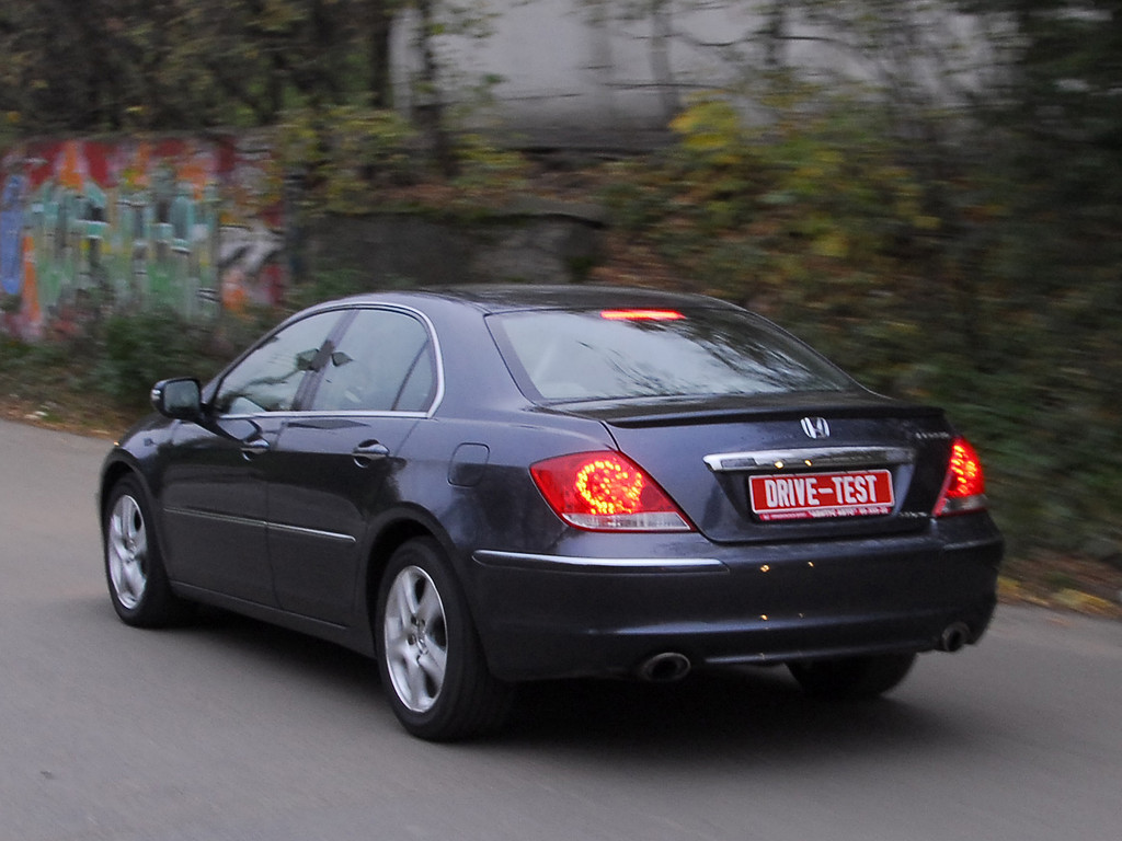 Снимки: Honda Legend IV