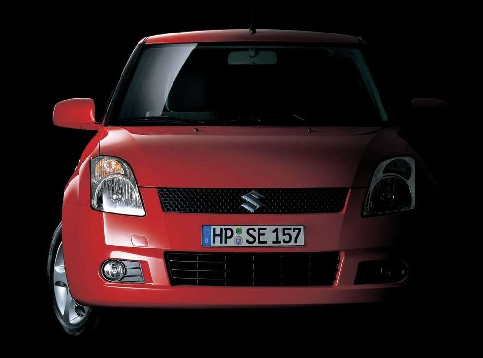 Снимки: Suzuki Swift IV