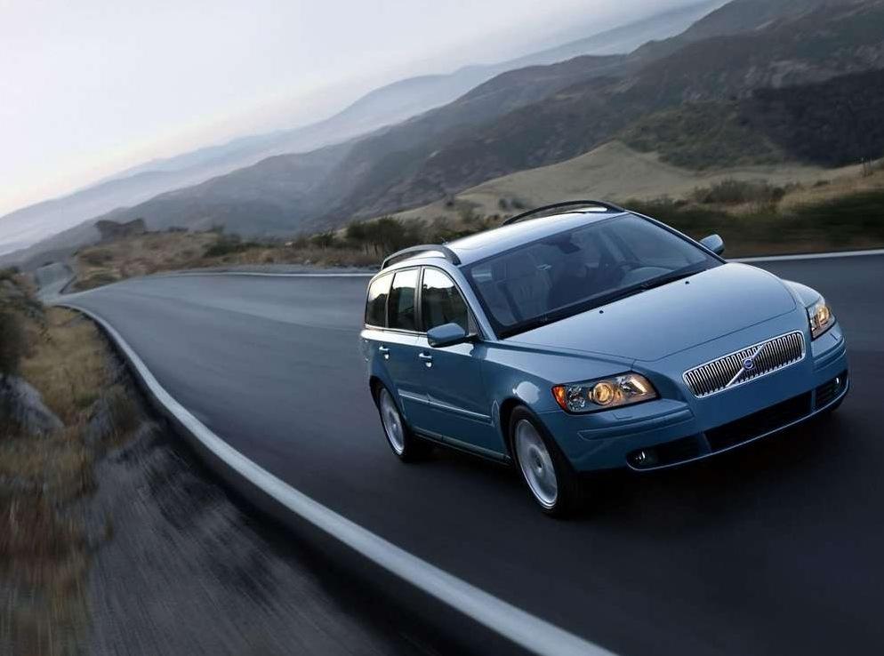 Снимки: Volvo V50