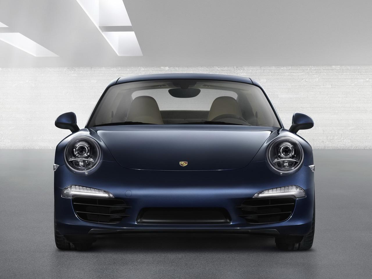 Снимки: Porsche 911 (991)