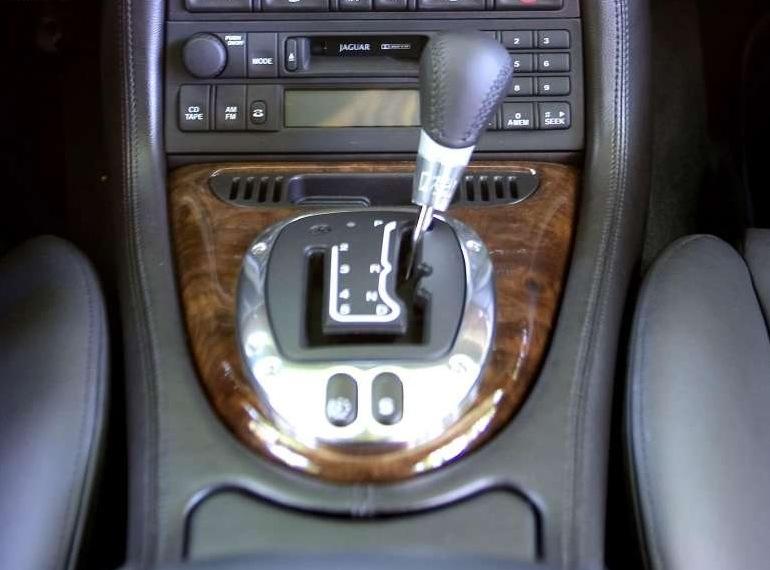 Снимки: Jaguar XK 8 Coupe (QEV)
