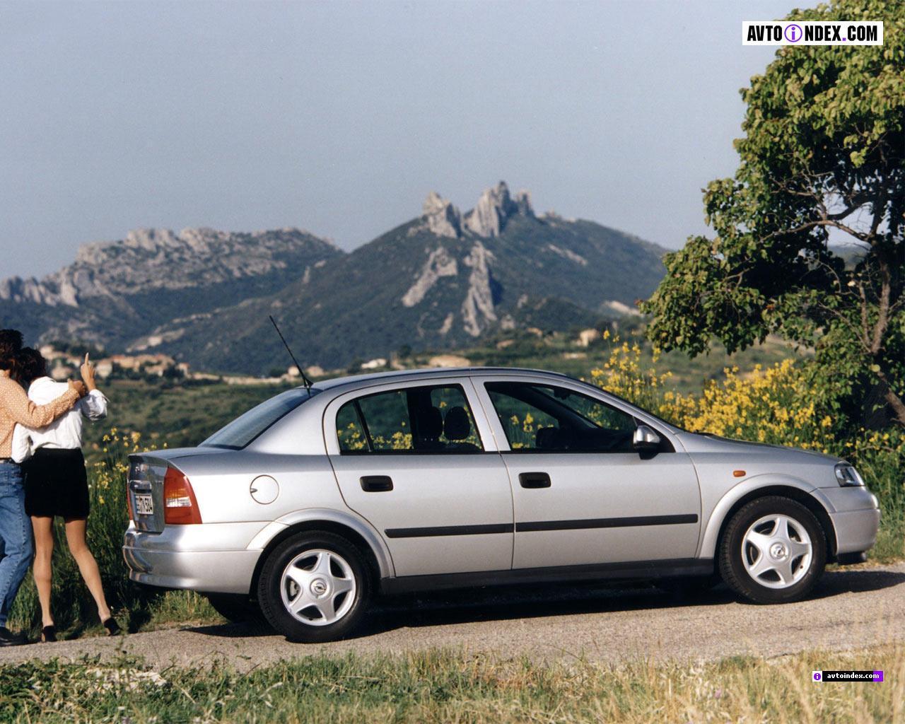 Снимки: Opel Astra G