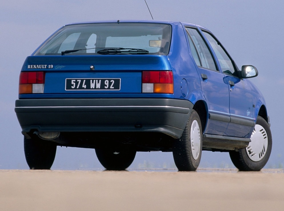 Снимки: Renault 19 Europa