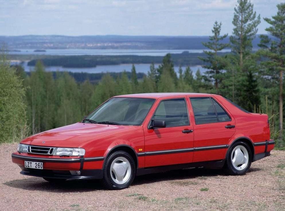 Снимки: Saab 9000