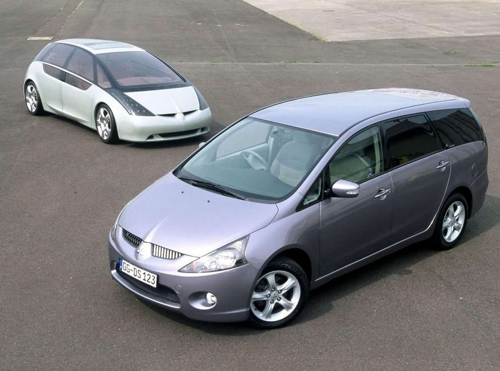 Снимки: Mitsubishi Grandis