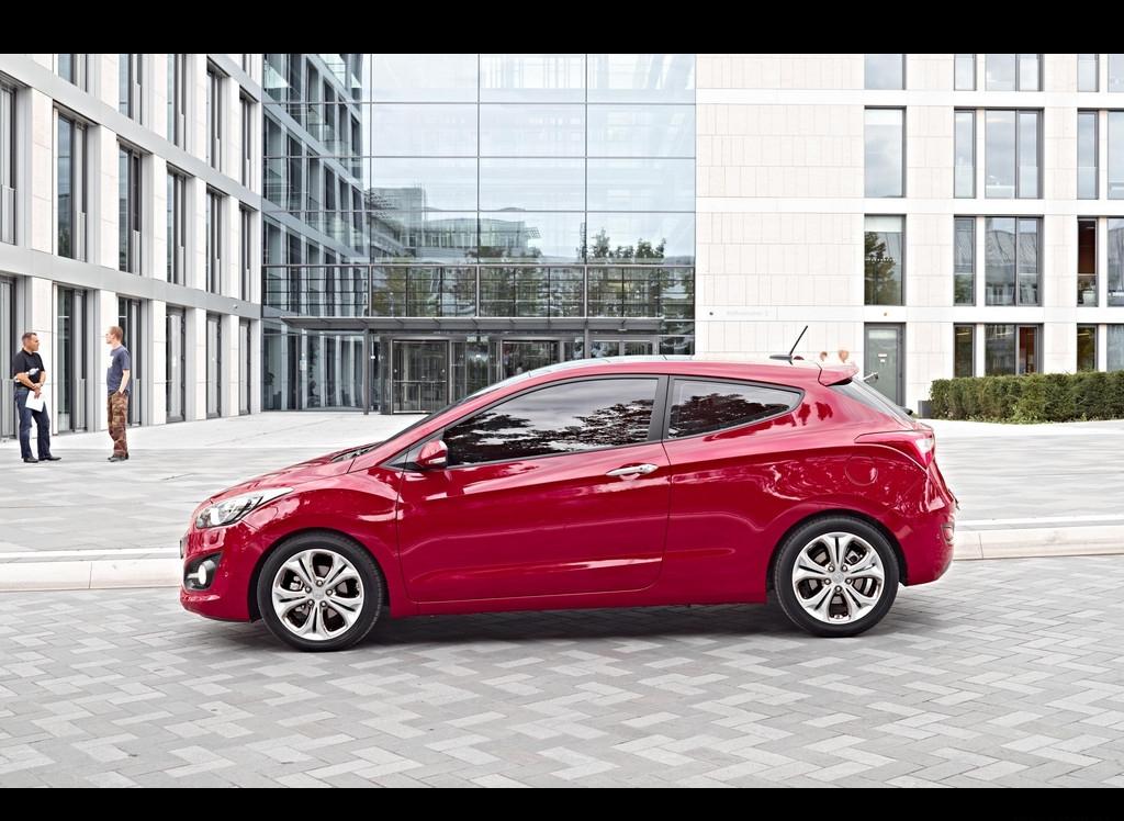 Снимки: Hyundai i30 - 2011
