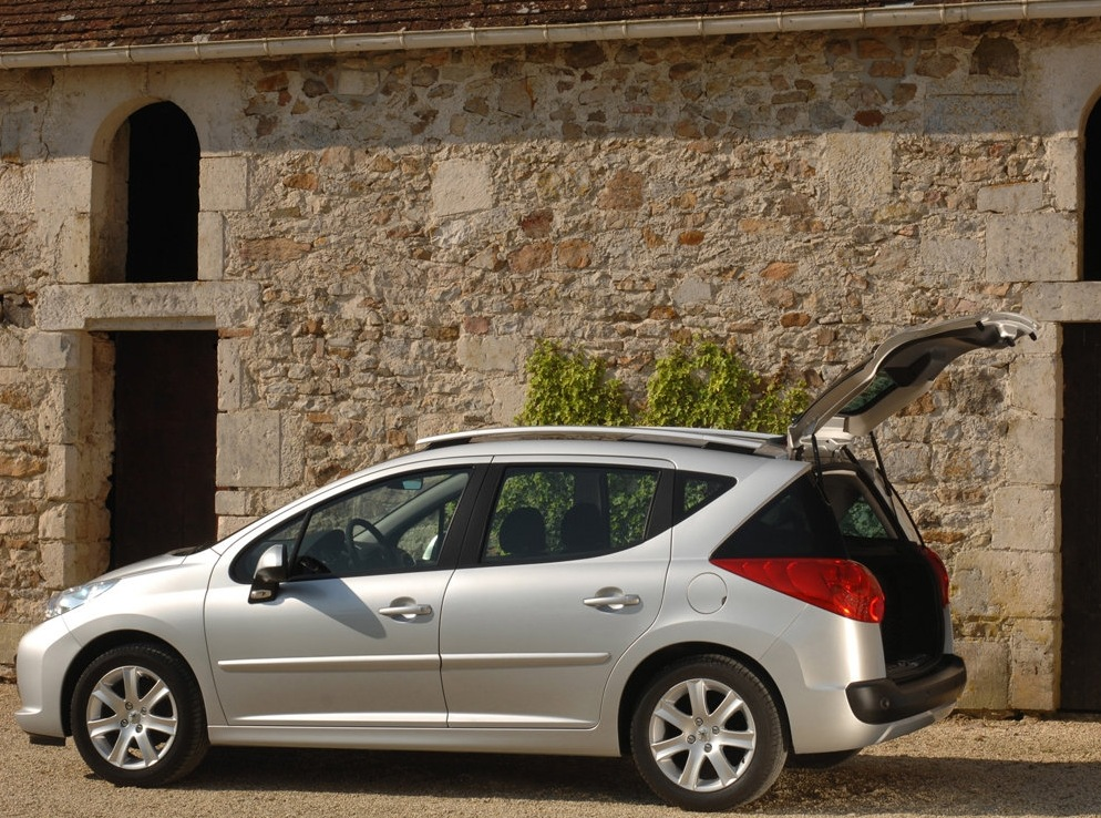 Снимки: Peugeot 207 SW