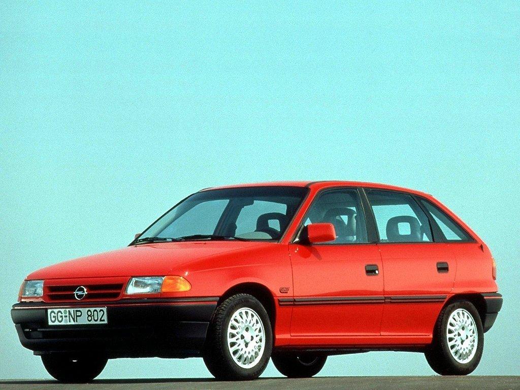 Снимки: Opel Astra F