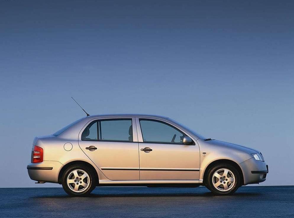 Снимки: Skoda Fabia Sedan (6Y)