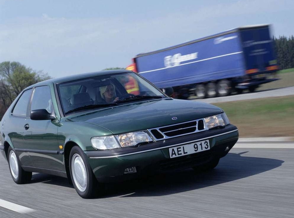 Снимки: Saab 900 II Combi Coupe