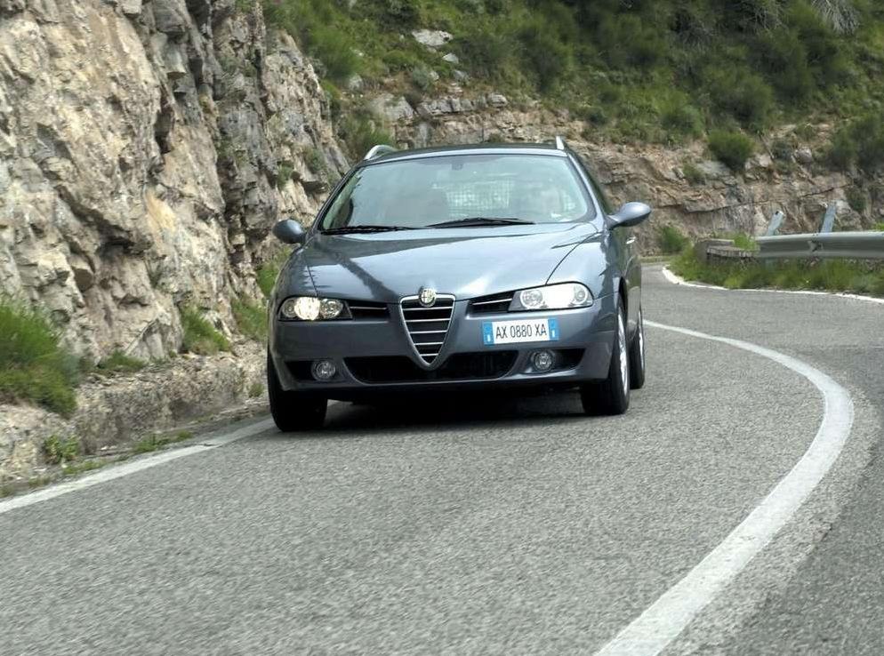 Снимки: Alfa romeo 156 Sport Wagon II