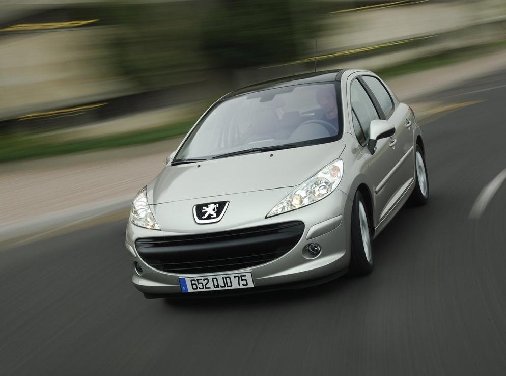 Снимки: Peugeot 207