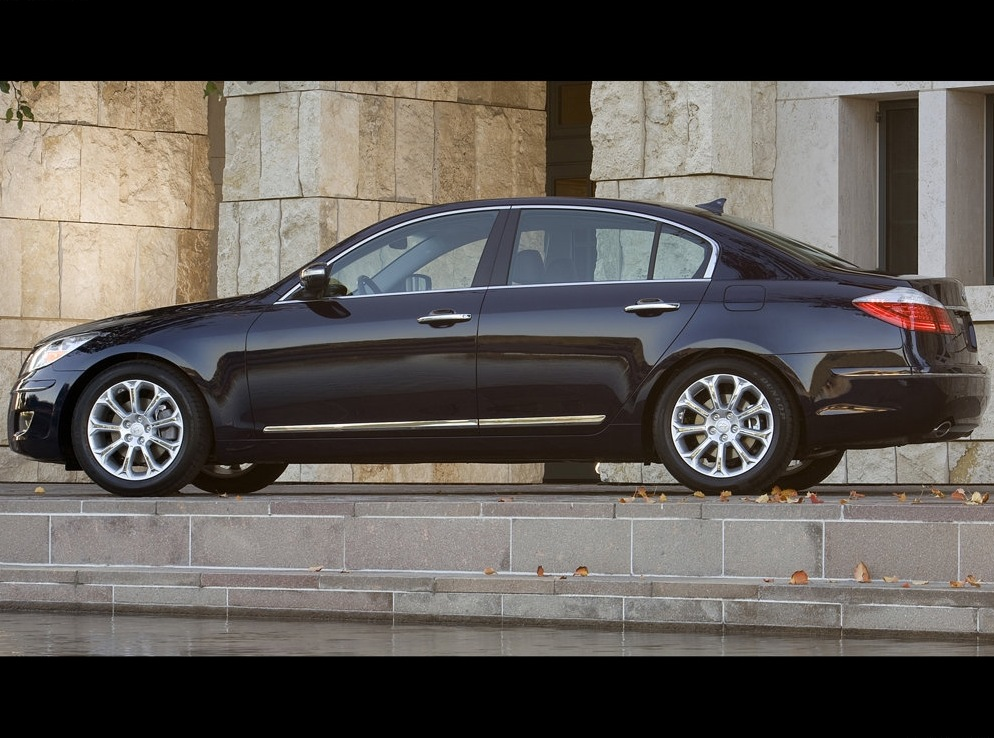 Снимки: Hyundai Genesis
