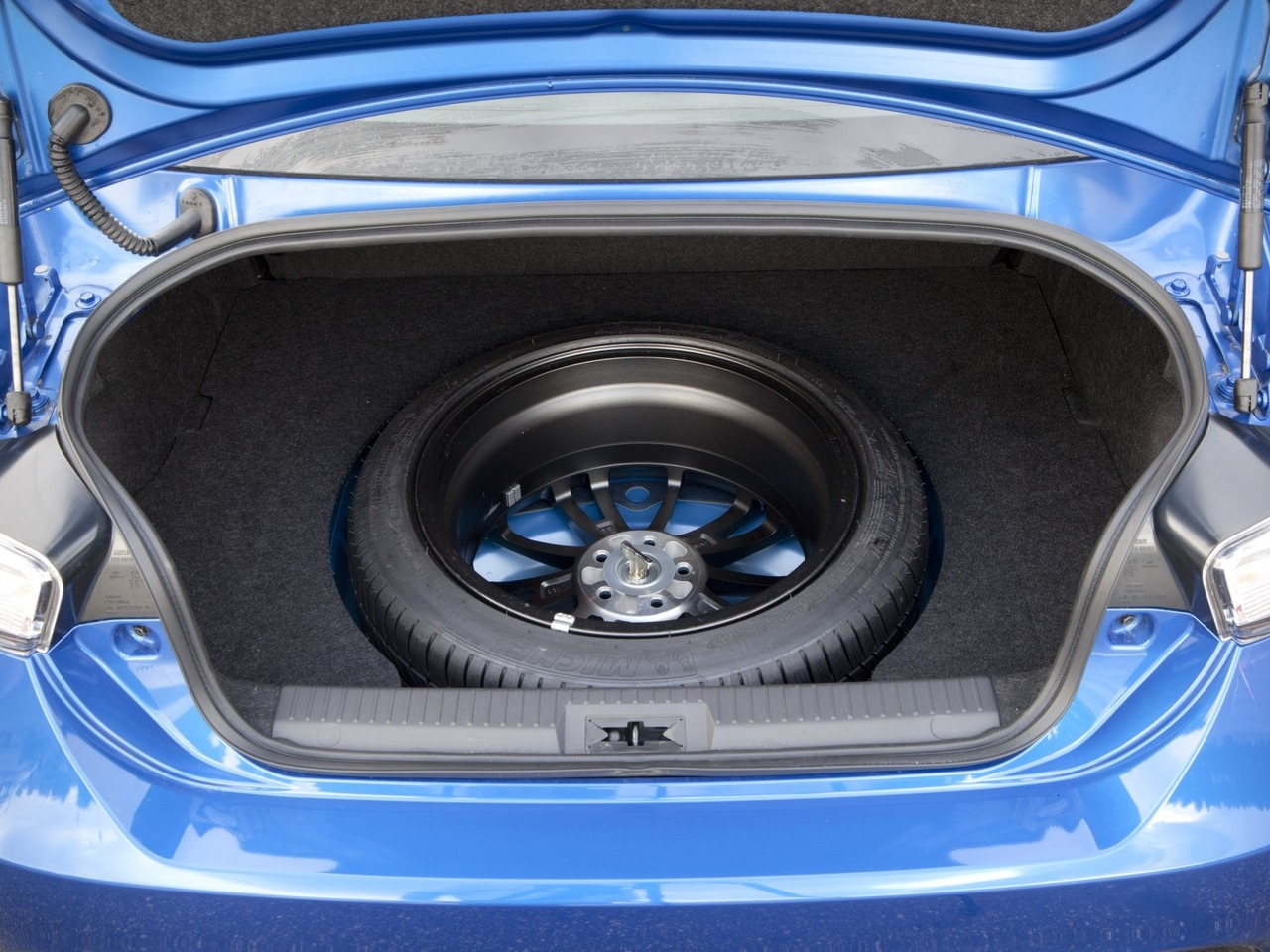 Снимки: Subaru BRZ