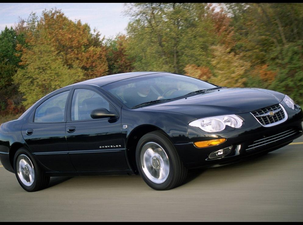 Снимки: Chrysler 300M